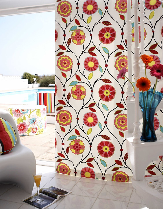 The new summer collection is a marvel for all the decorations of your living! Curtain-veil is yet to